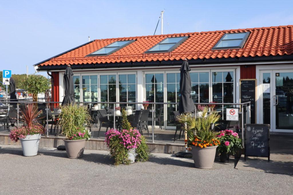 Blomster er en stor lidenskap for vertskapet på Helgeroa Marina